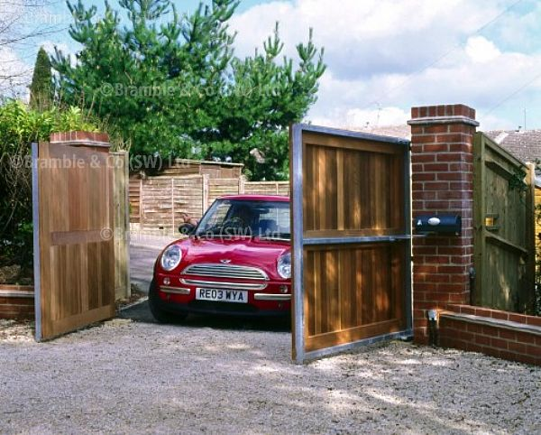 Electric gates wood with metal frame somerset